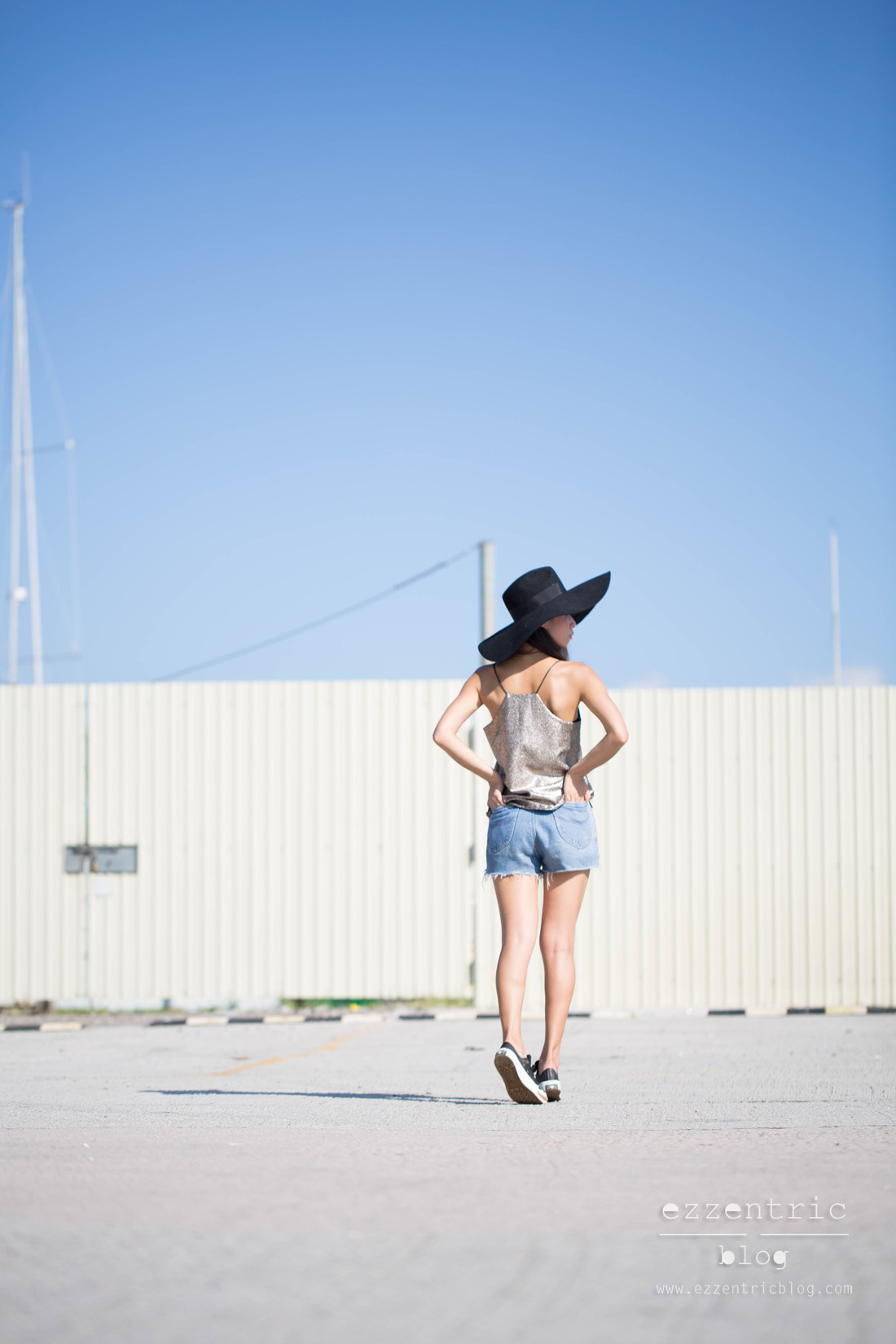 Paint It Red Cami Top , Vintage Denim Shorts , Pony Sneakers 06