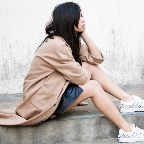 OOTD in Long Coat and White Sneakers