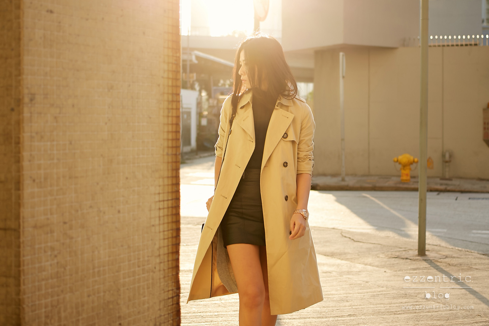 The Must Have Trench Coat and Boyfriend Watch 04